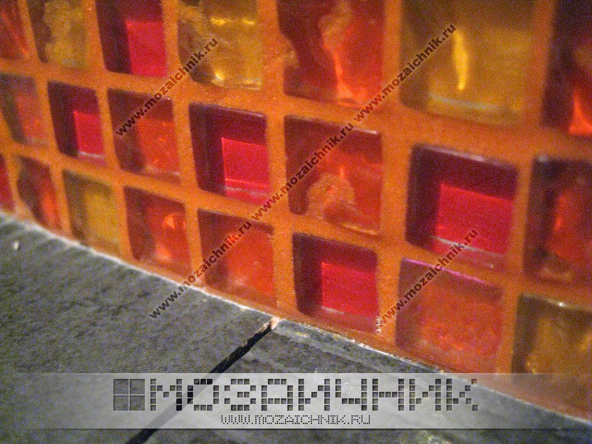 Красная мозаика