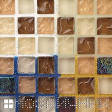Стеклянная мозаика затертая белой, прозрачной, золото и синий затиркой фото
