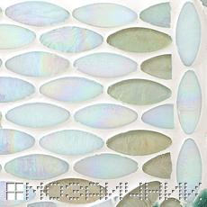 Белоснежная затирка осветляет стеклянную мозаику SICIS