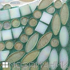 Зеленая эпоксидная затирка красиво контрастирует со стеклянной мозаикой SICIS фото